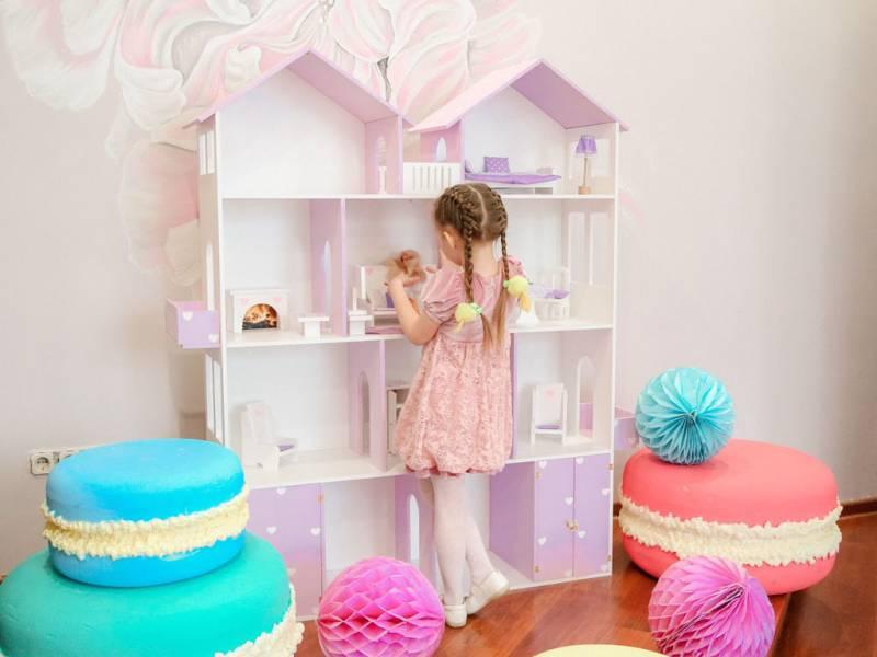 Какой материал выбрать для кукольного домика?