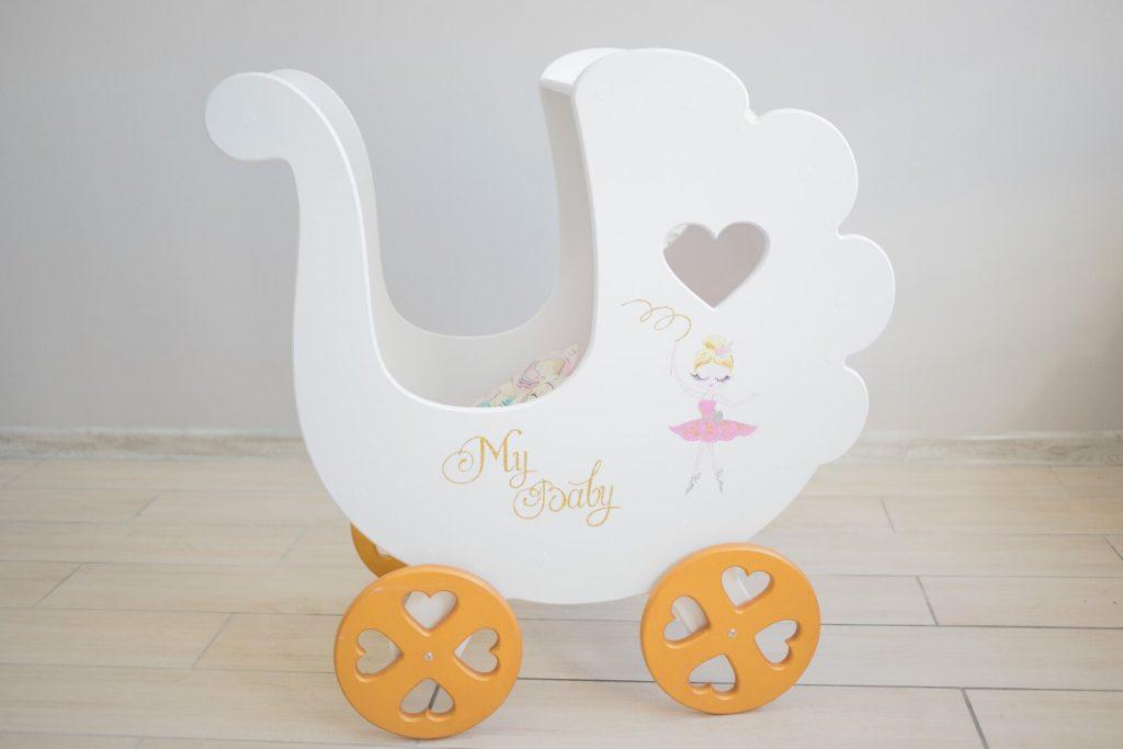 Деревянная коляска для кукол