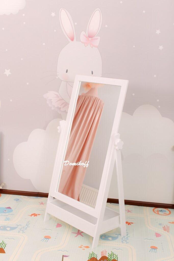 Зеркало  с полочкой