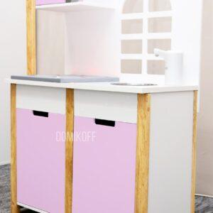 Детская игровая кухня в розовом цвете