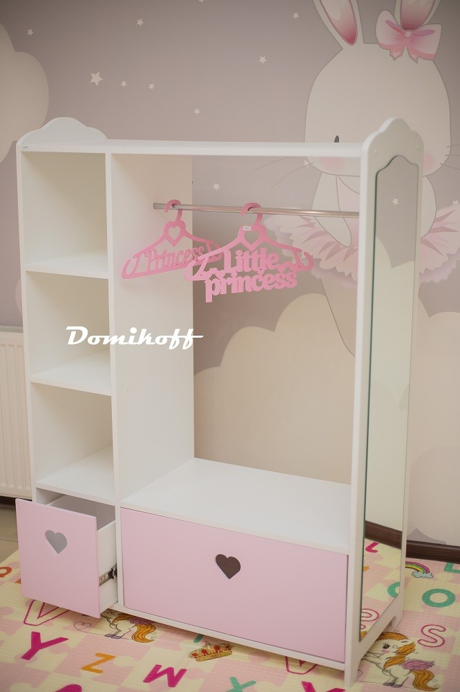Шкаф-гардеробная с зеркалом